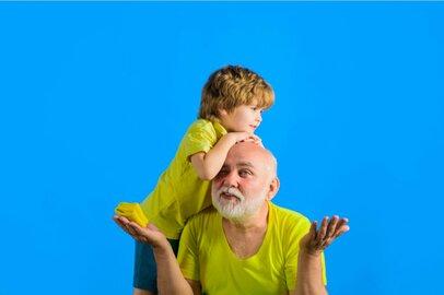 もうほっといて!「孫への愛が重すぎる」義父母、みんなはどうしてる?