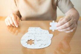 増加する認知症、高齢者の金融資産をどう管理すべきか