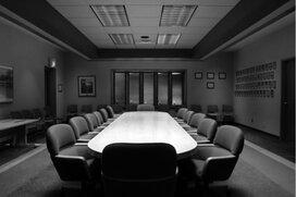 有価証券報告書にみる日産の役員報酬と最近の株価