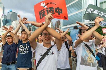 香港反政府運動の現状。長期化や経済面での影響に懸念強まる