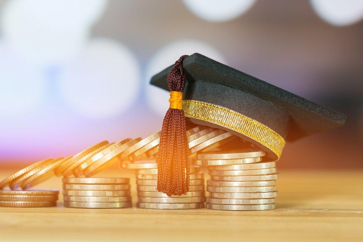 年々上昇!? 子供を大学に行かせている家庭の年収はどのくらいか