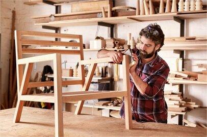 家具工の給料はどのくらいか