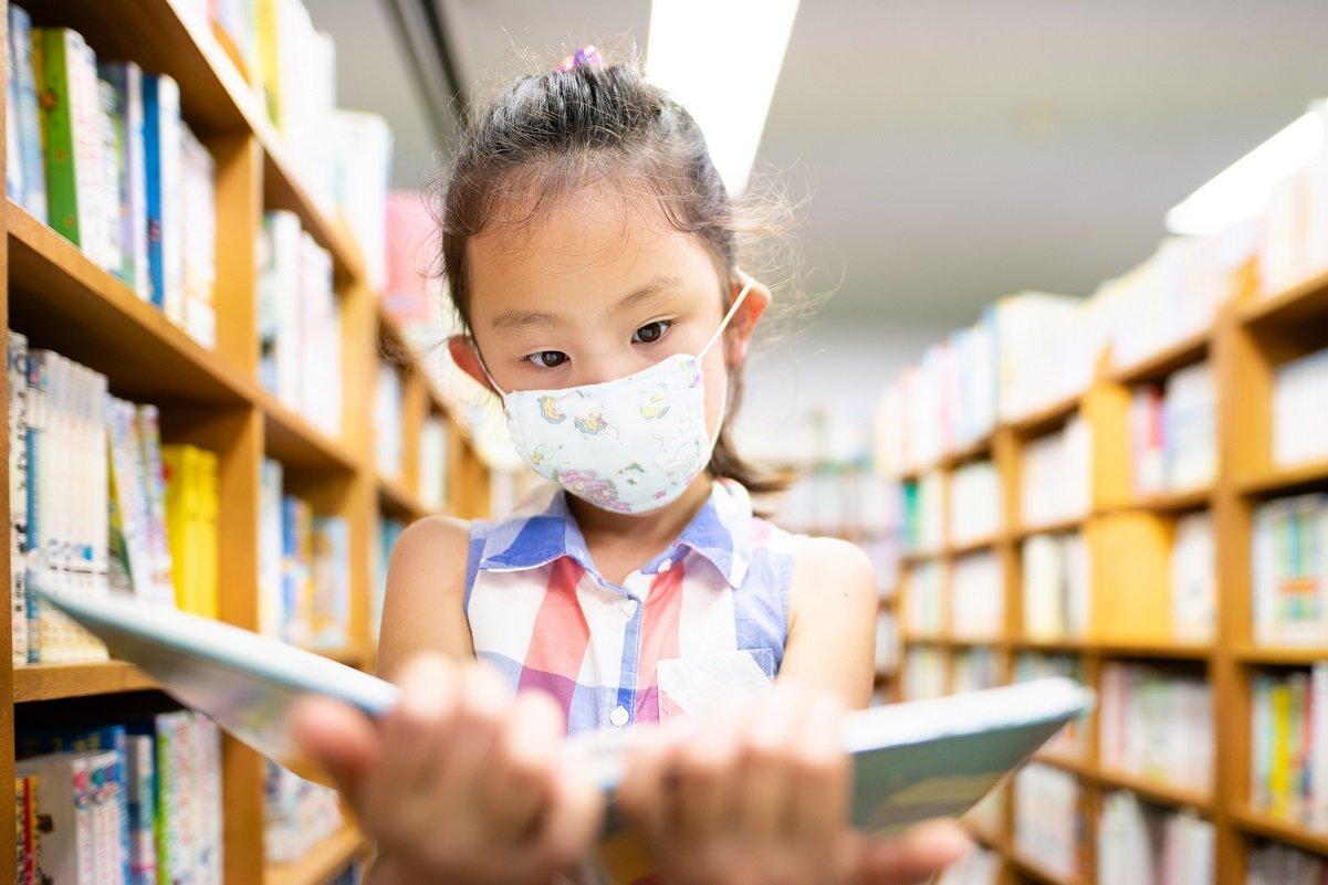 夏休みの宿題の鬼門、読書感想文はなぜ子も親も悩ませるのか