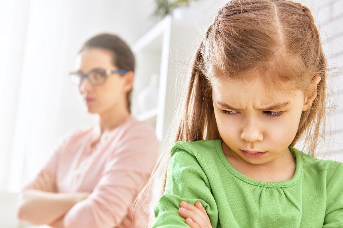 お金持ちにも貧乏家庭にもいる毒親。親になってわかった「子どもの心を傷つける行為」