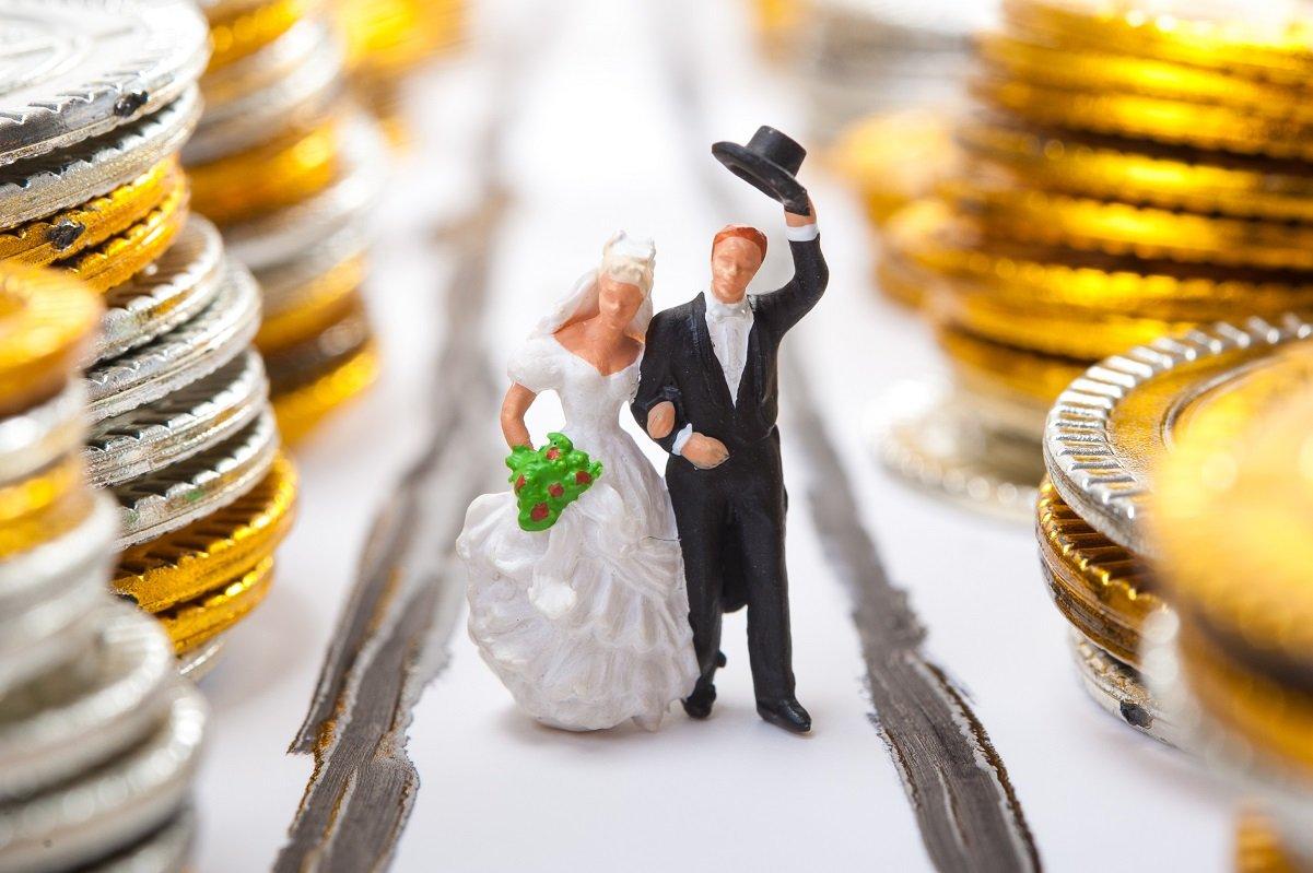 「結婚相手に求める経済力」の中身。投資している人は好イメージか