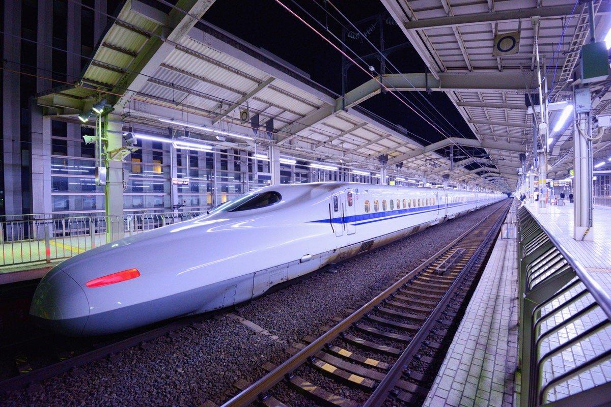 新幹線「利用者8割減!」人の動きが止まった日本の未来予想図