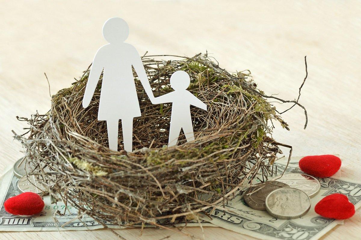 母子家庭の年収や仕事の内容は? 離婚を考えるシンママ予備軍を待つ厳しい現実
