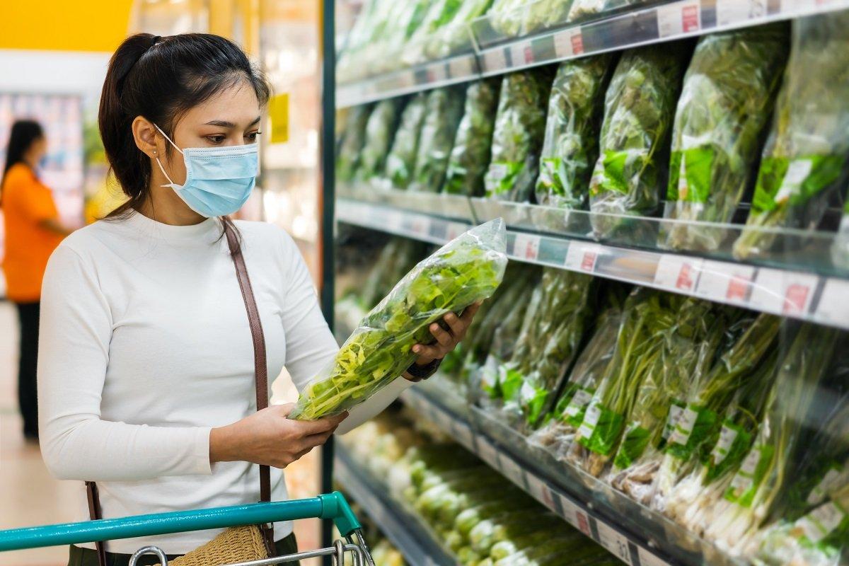 野菜が高い! さらに小麦粉や食用油も値上がり。家計に大打撃の原因と価格動向