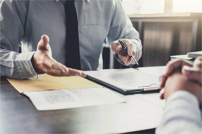 社会保険労務士の給料はどのくらいか