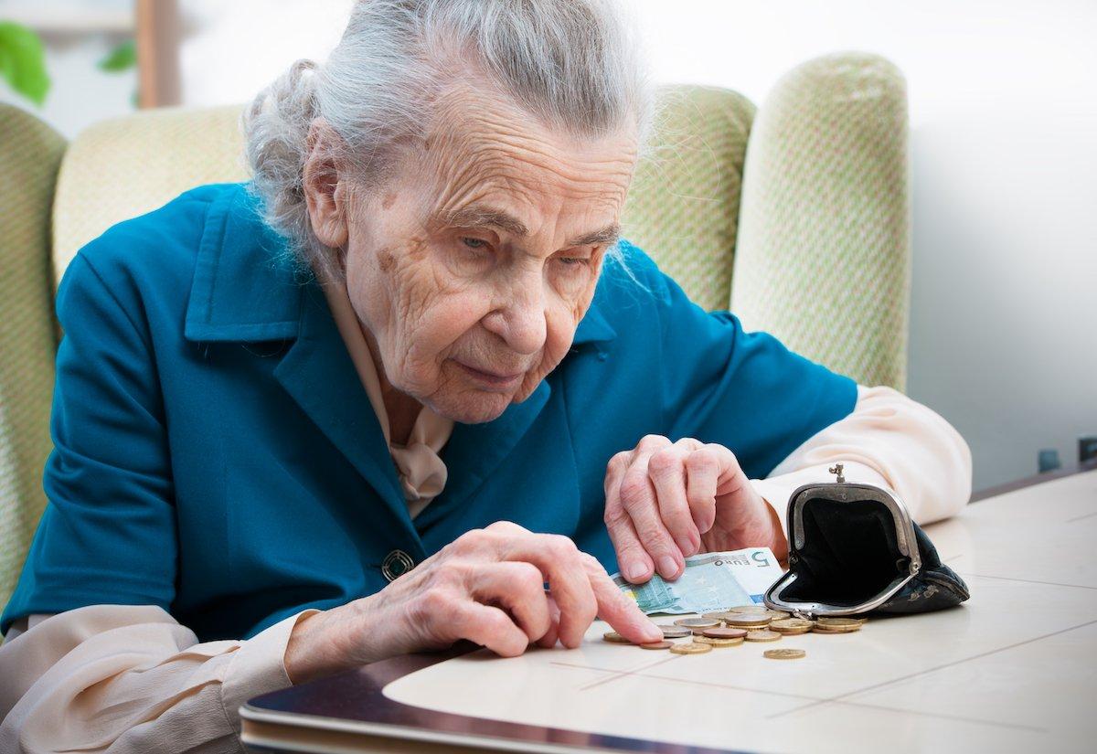 7割の「おひとりさま老後生活」は苦しい!? 加速する長い老後・低収入・低年金という三重苦