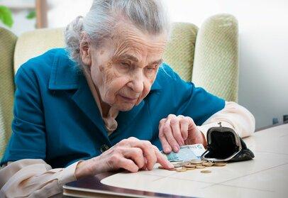 7割の「おひとりさま老後生活」は苦しい!?加速する長い老後・低収入・低年金という三重苦