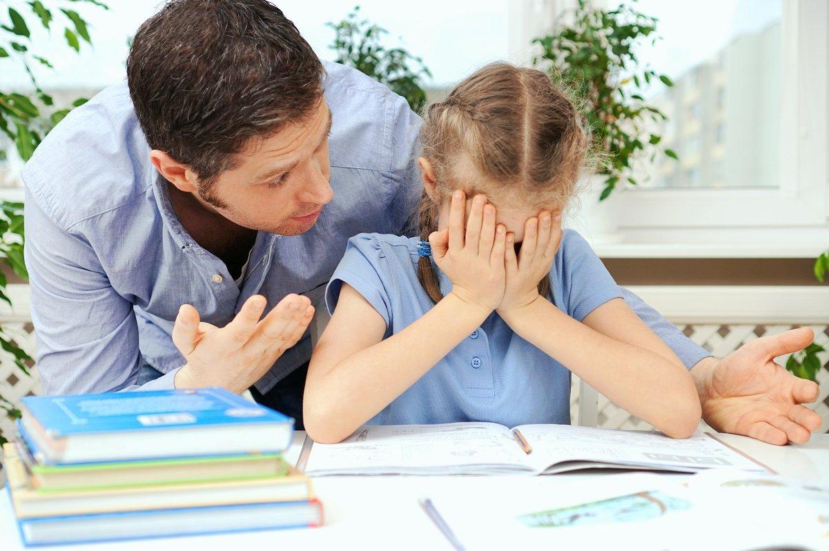 子どもとの距離感が近すぎる親は危うい!? 「支配関係」に陥るリスク