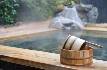 【テーマ投資】日本の癒しの原点、温泉関連銘柄で注目企業はどれ?