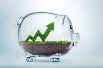 毎月10万円の貯蓄はふつう?家計の黒字率は上昇傾向!やめるべき&するべき貯蓄法