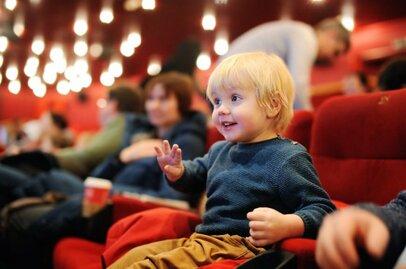 1歳児の映画デビューを体験! 座席の選択や場内の様子は?