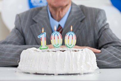 英国のケースに学ぶ:『公的年金がどれくらい生活を支えられるか』の理解が自助努力の出発点