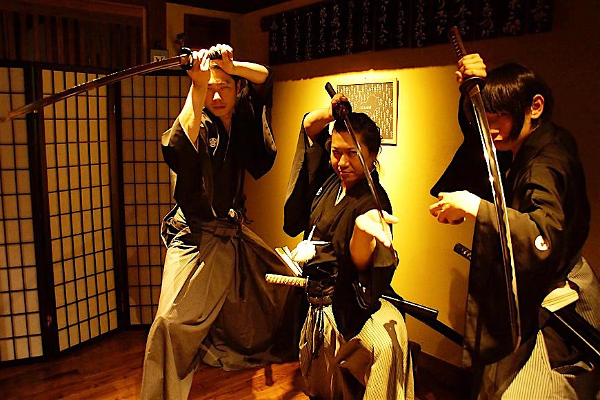 日本刀や剣術を間近で! 侍体験イベントが天心流兵法と飲食店のコラボで実現