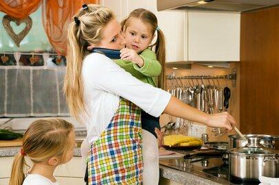 気が付けばストレスが爆発寸前!育児に家事に仕事…うまく工夫する方法とは
