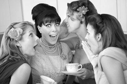 女子中学生の娘を持つ母の本音。ママ友付き合いで「やめてよかった」5つのこと