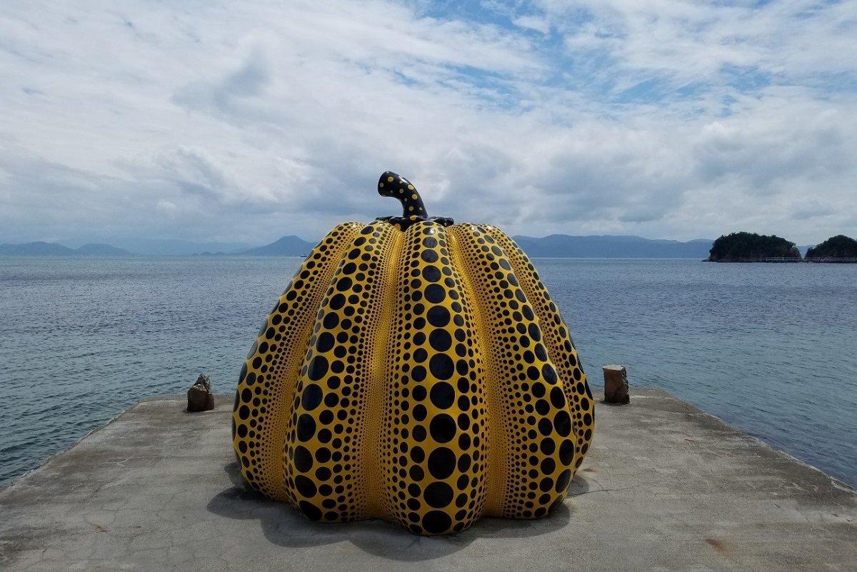 瀬戸内の小さな島々に海外から旅行者が続々集まる理由