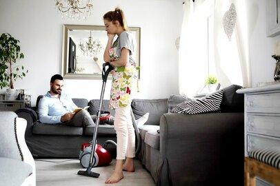 家事は妻がやって当たり前な時代じゃない!実は「家事」より「仕事」の方がラク!?