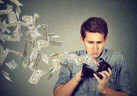 将来お金に困る人の特徴と直すべきポイント