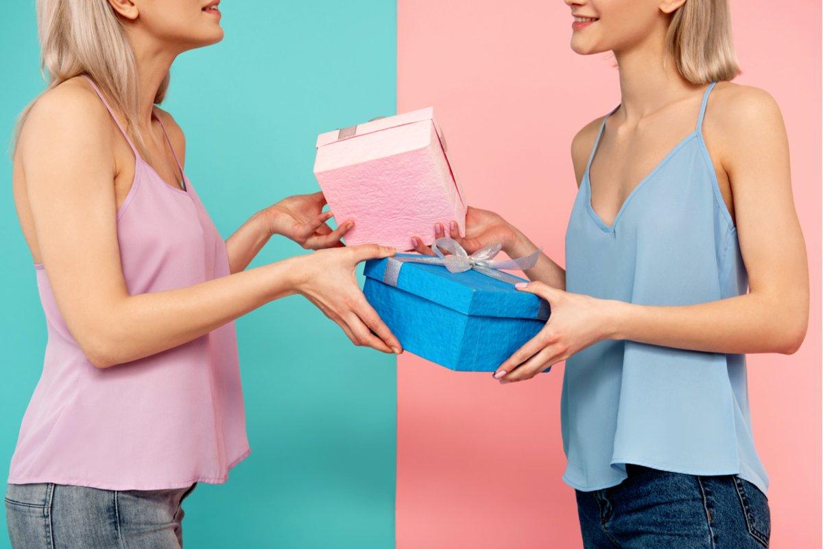 女友達との誕生日プレゼント習慣…やめたい!ときの解決方法は?