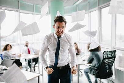 「あ~もうやめたい!」 職場の耐え難いストレスを6人に聞く