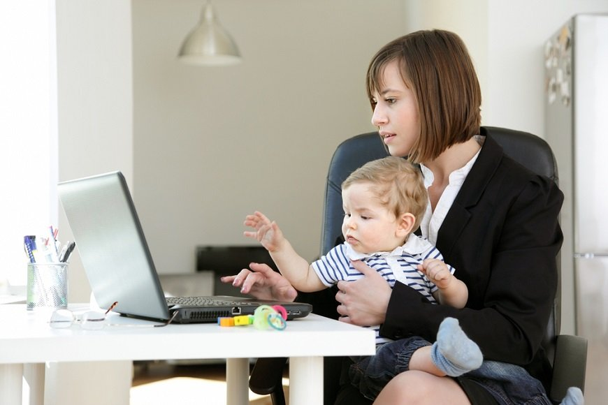「仕事もしたいし、子どもともいたい」~共働きには犠牲が伴うのか