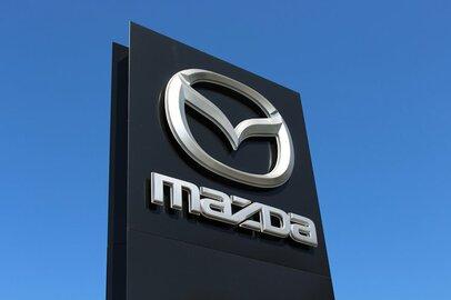 マツダのローマ字表記はMAZDAだが、MATSUDAではない由来は何か