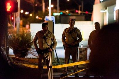 米国での銃乱射「週に5件」の異常事態でも規制が進まない理由