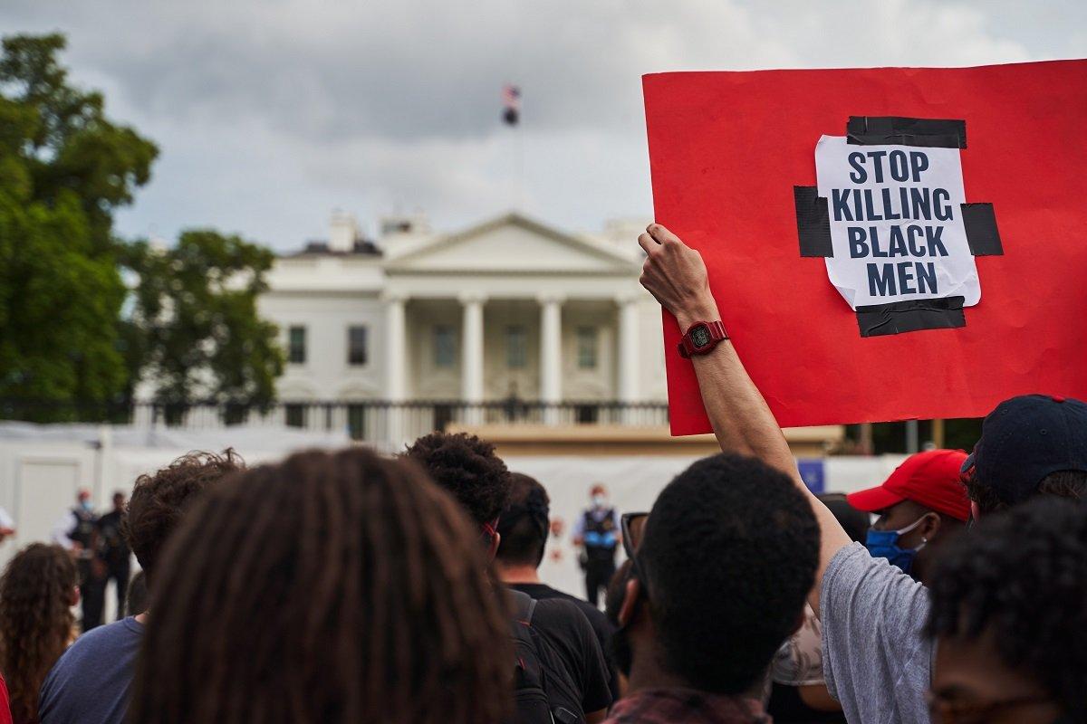 経済悪化と暴動が渦巻く米国、トランプ再選は中国批判頼み?