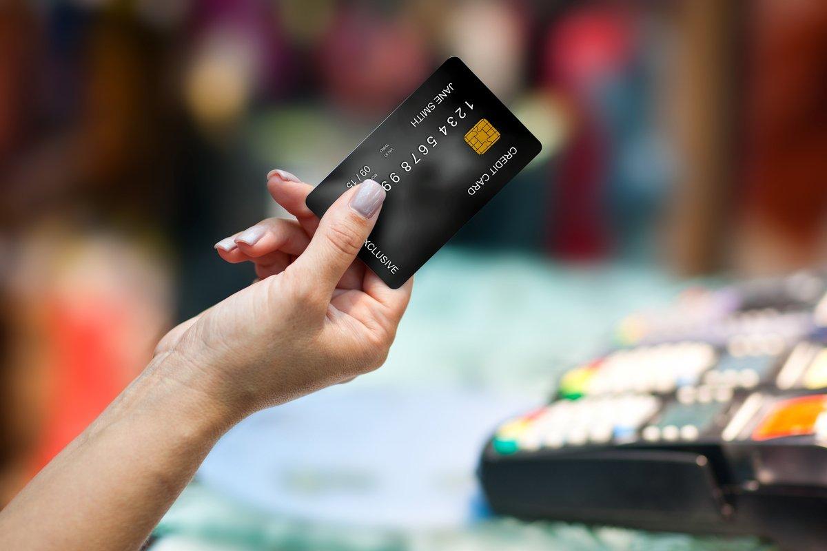 キャッシュレス化けん引するクレジットカード、勝ち組のクレカはどれか