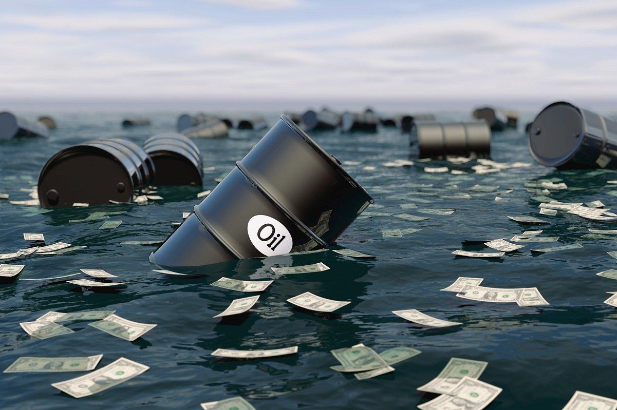 史上初、原油価格がマイナスに。原油安の長期化がもたらすデメリットは?