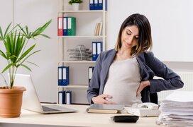 「つわりで休むなんてズルい」職場で告げられ…妊娠出産での「辛かった」エピソード