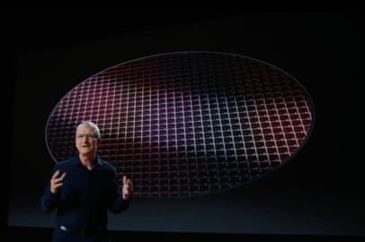 アップルがMacに独自CPU搭載、その名も「Apple Silicon」