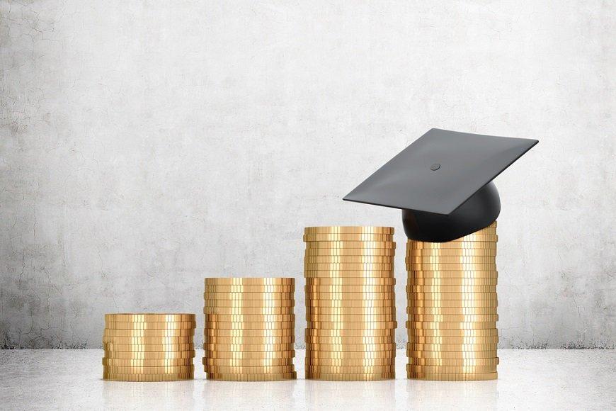 我が子の教育資金作り、学資保険とジュニアNISAどっちを選ぶ?