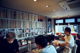 路地裏のジャズ喫茶には、4343Bの響きと穏やかな珈琲がある