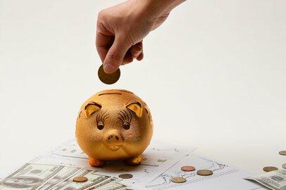 40代と60代で貯蓄額はこんなに違う!その理由は退職金?