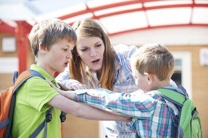 「叱らない子育て」が増えている!? 迷惑する周りの親と子ども