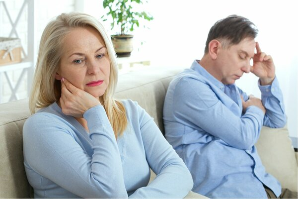 「濡れ落ち葉」亭主にうんざり、子持ち女性に増える定年離婚願望