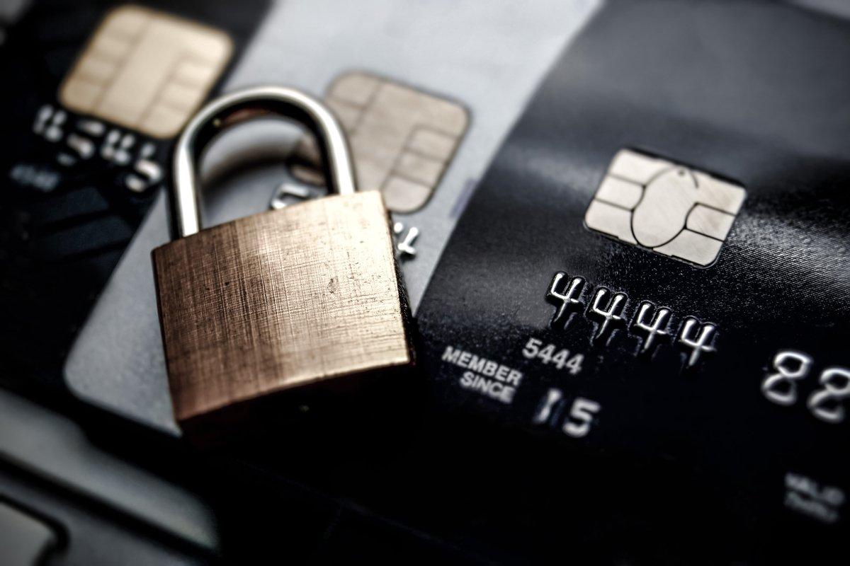 エポスカードは年会費無料で不正利用に強いクレジットカード
