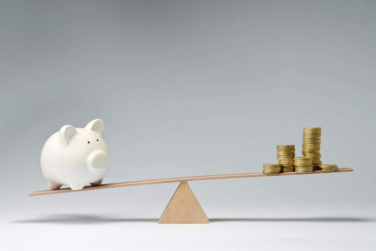 20代~70代の貯蓄の平均は1500万円以上、では「中央値」は?