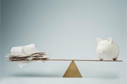 40代以下が苦しい!家計の統計で知るみんなの貯蓄額と負債額の平均