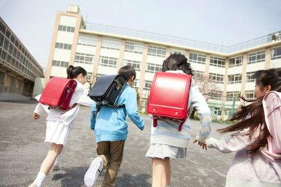 入学先は1000人超のマンモス校、驚きのルールが盛りだくさん