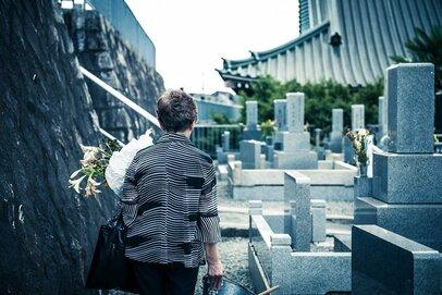 「お墓、これからどうしよう」―継承者問題や経済事情から変わりゆくお墓事情