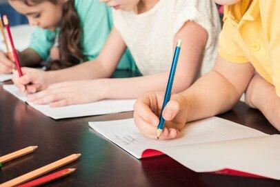 小・中・高生の三姉妹の母が「3人の学費」を公開!家計ピンチの「理由」その解決策