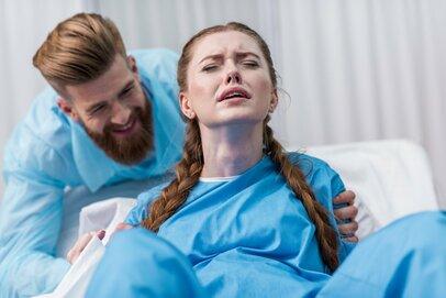 「助かるどころか、むしろイライラ…」出産で夫に八つ当りした妻たちのエピソード