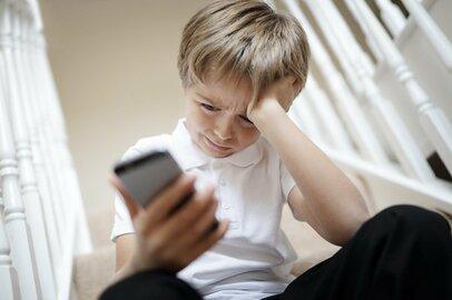 子どもの「ネットトラブル」が心配。携帯とともに育った親世代はどうすべき?