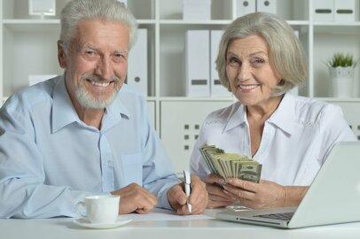 60歳以上世帯には富裕層が多い?富裕層の定義と実態